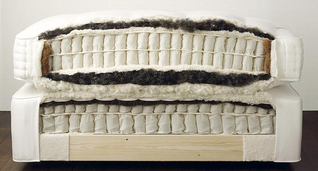 Die Taschenfedern werden wabenförmig angeordnet. Die Dichte beträgt Tausenden Federn, die Ihren Körper ohne Druck stützen.